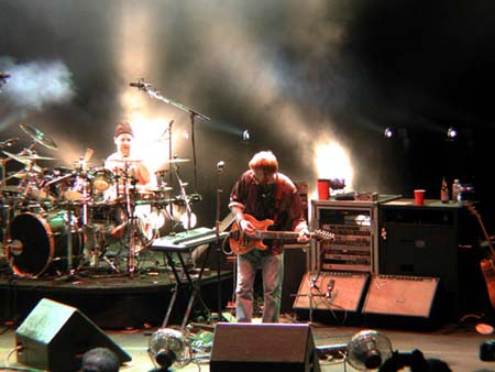 phish/2000_10_06_shoreline/phish_10_06_00_2