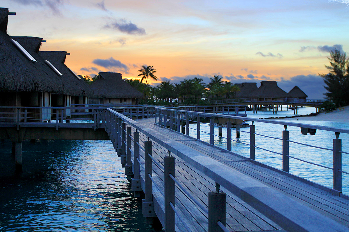 bora_bora/bora_hilton_sunset_room_208