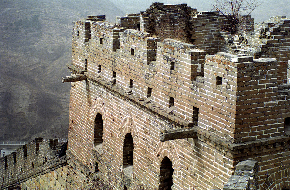 china/2001/wall_tower_close