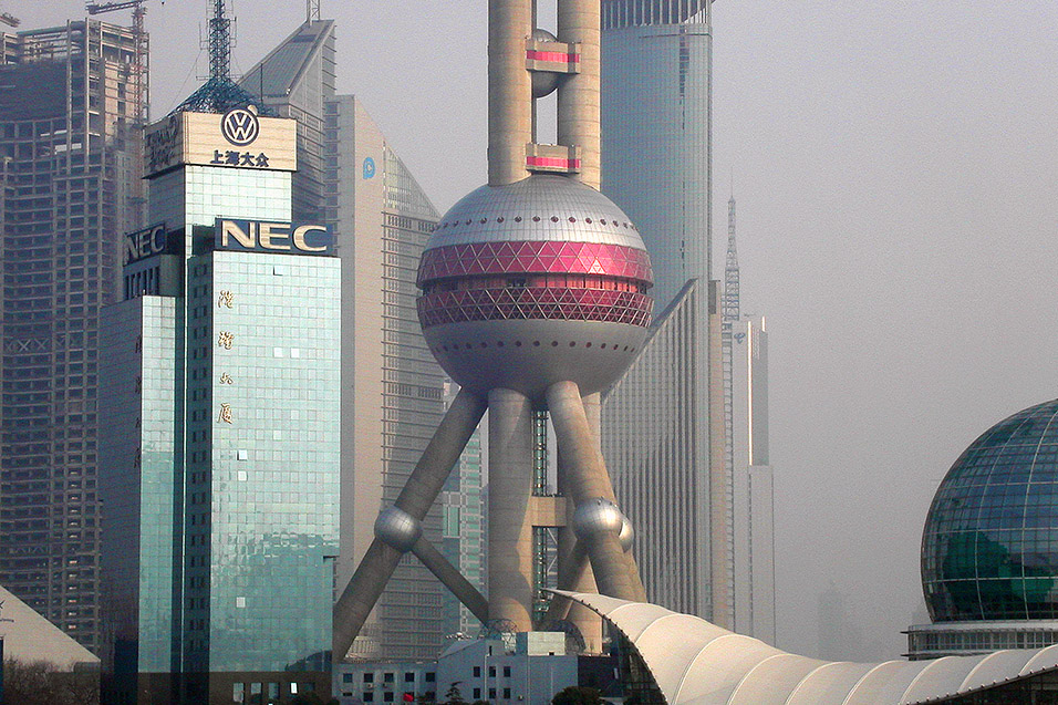 china/2004/pudong_baubles