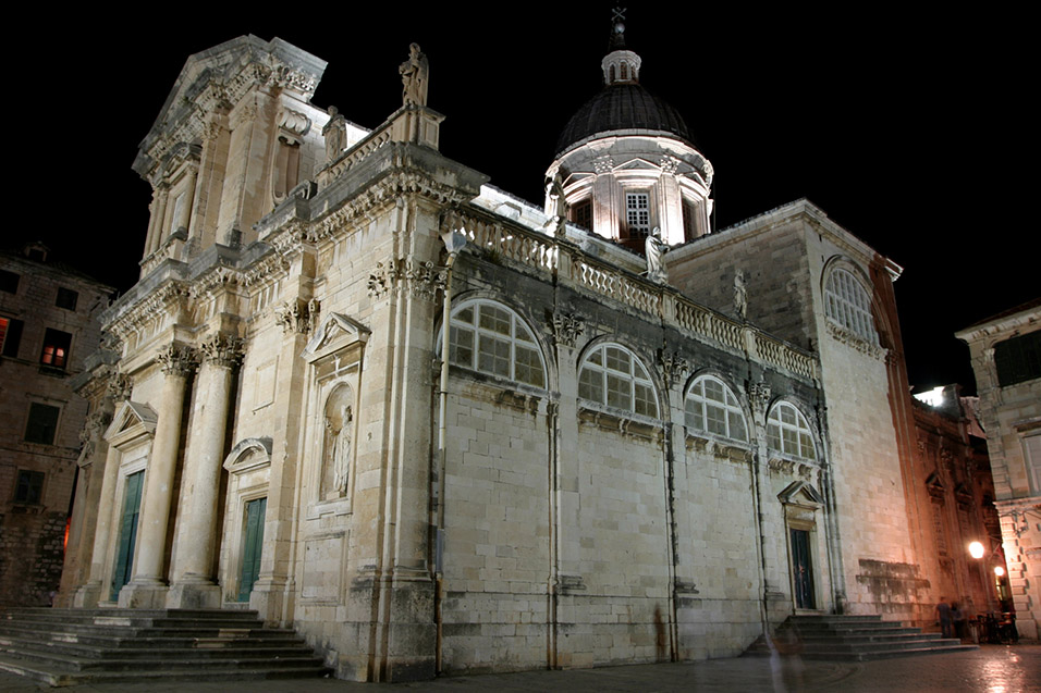 croatia/dubrovnik_church_night_2