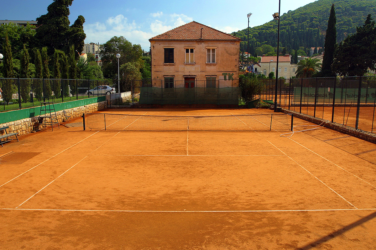 croatia/dubrovnik_tennis_court