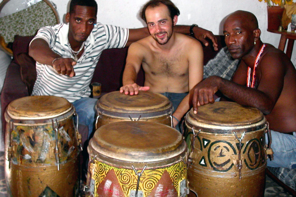 cuba/music_ej_teachers_drumming