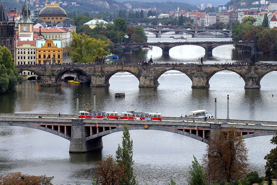 czech/prague_bridges_view