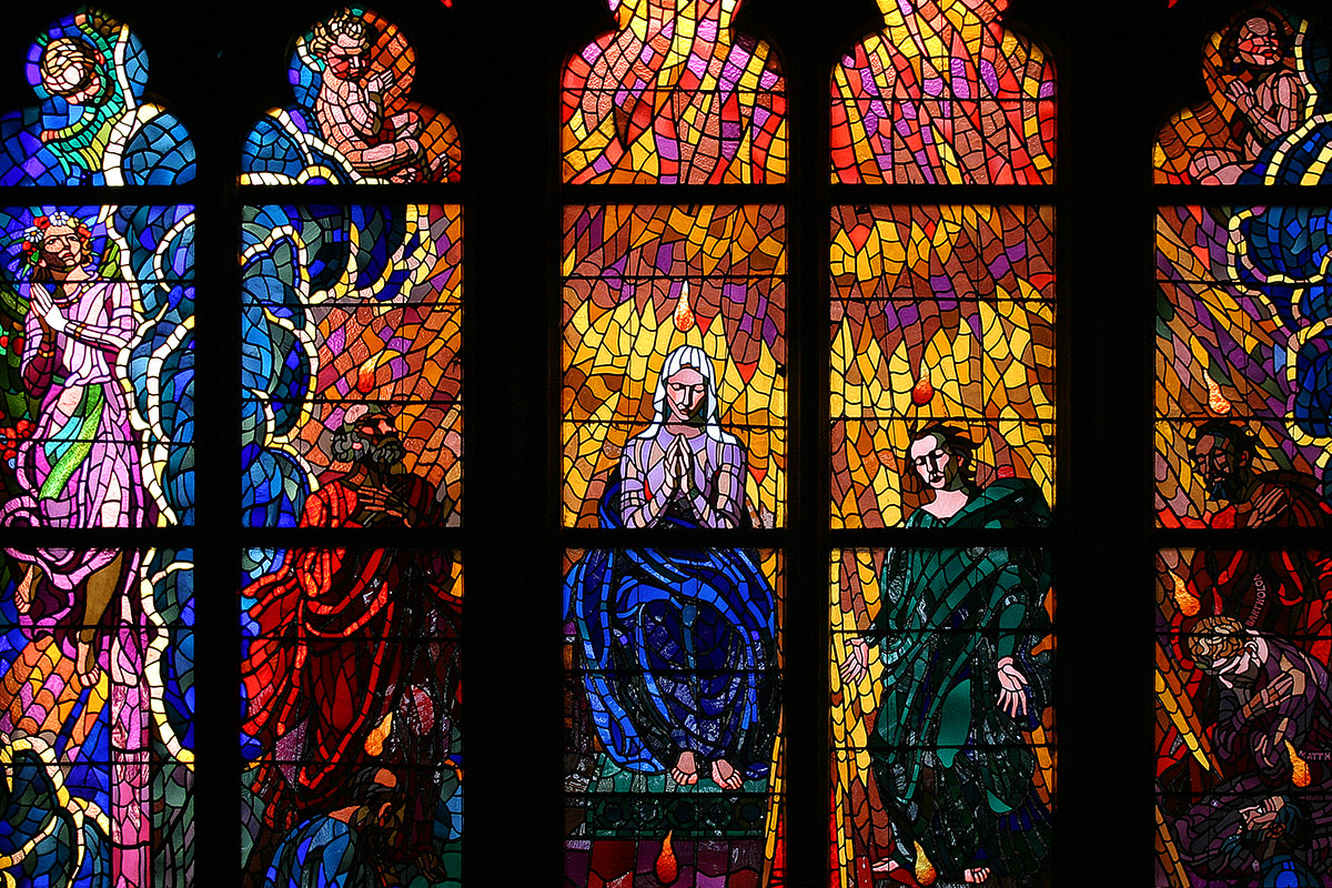 czech/prague_stained_glass_1