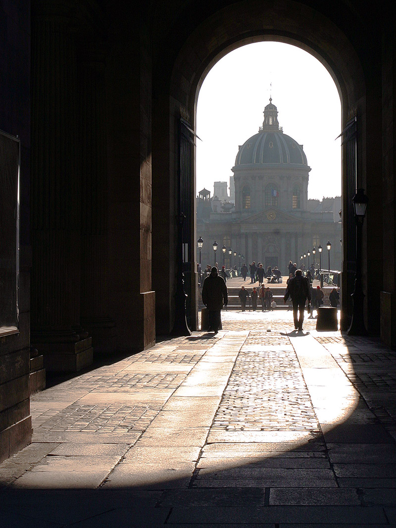france/paris_louvre_walking_bridge
