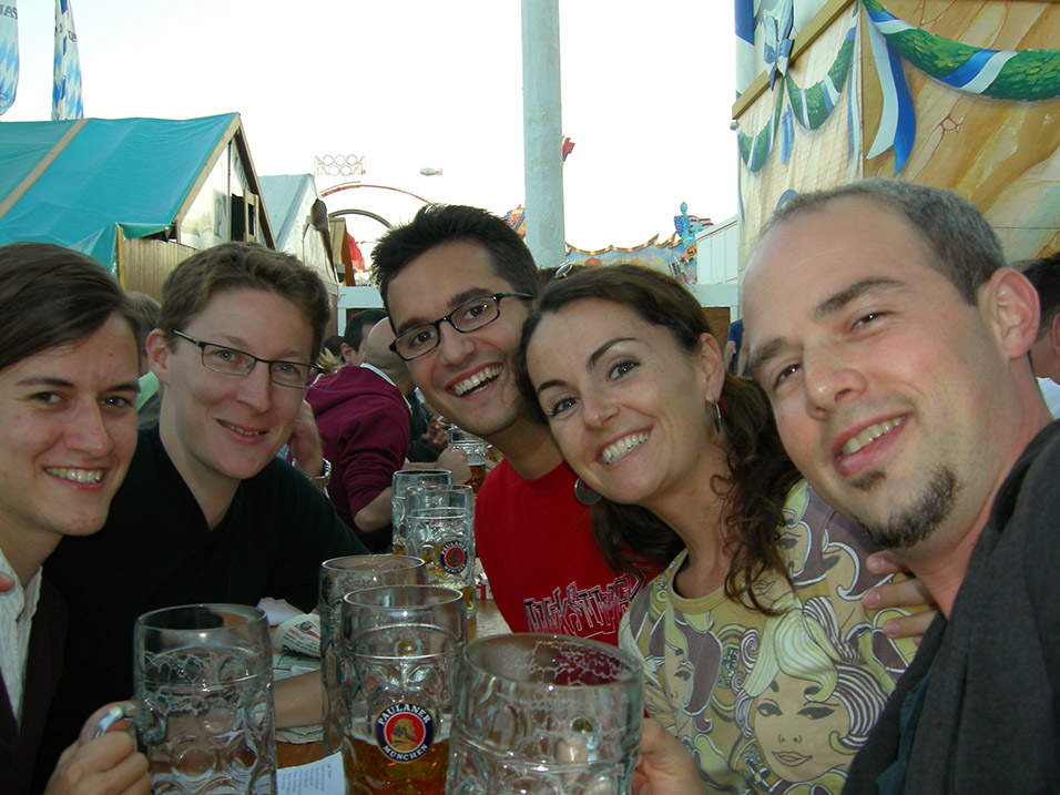 germany/ok_gang_drinking