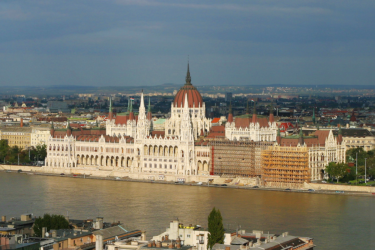 hungary/pest_parliment_building