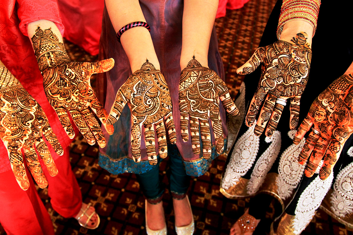 india/2012/bombay_mehndi_henna_hands