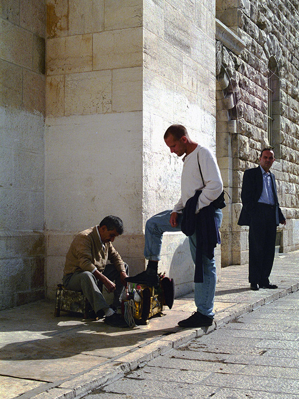 israel/jerusalem_shoe_shine