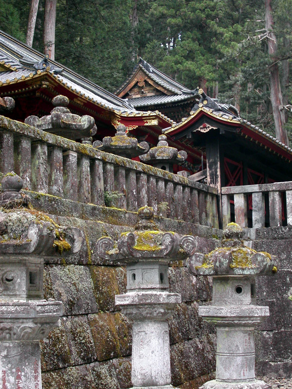 japan/2003/nikko_forest_temple