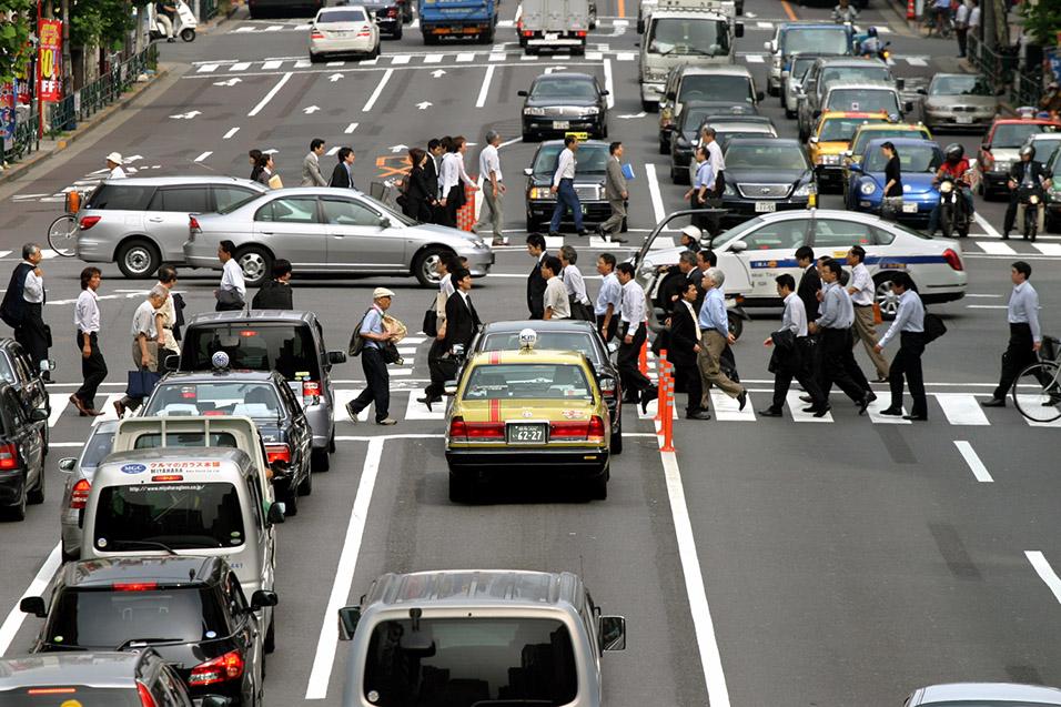 japan 2007 tokyo people cars