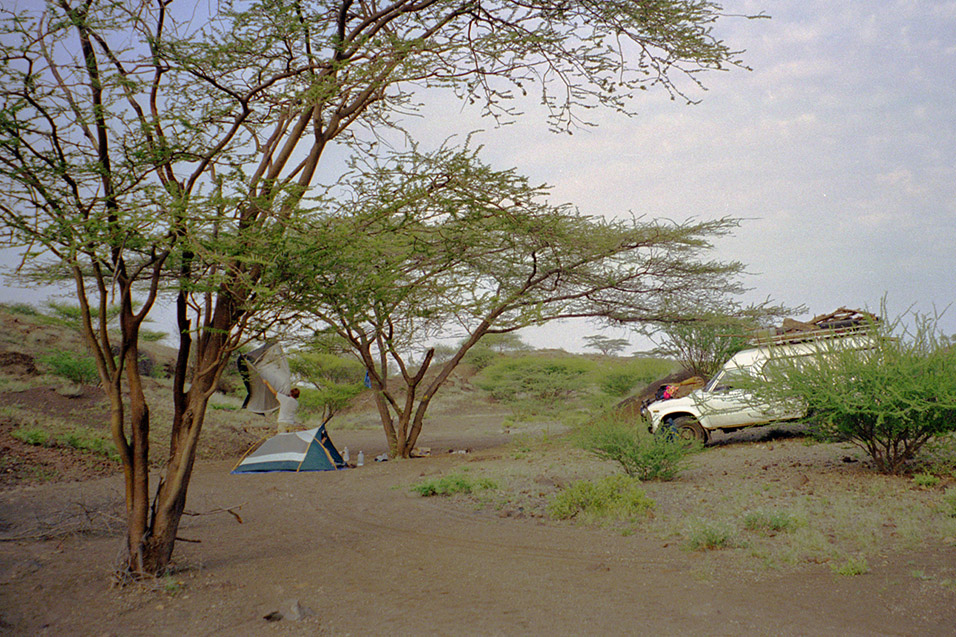 kenya/turkana_bush_camp