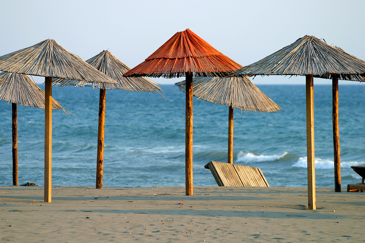 montenegro/ulcinj_orange_umbrella