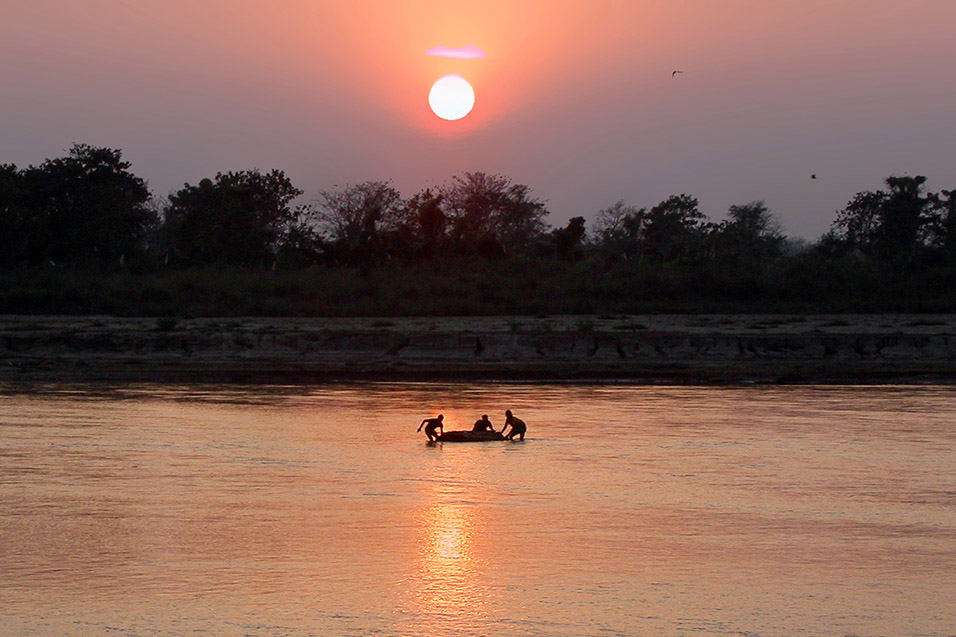 nepal/chitwan_sunset_river