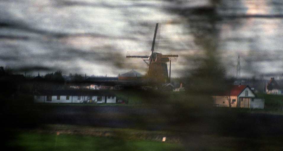 netherlands/netherlands_windmill_drive_by