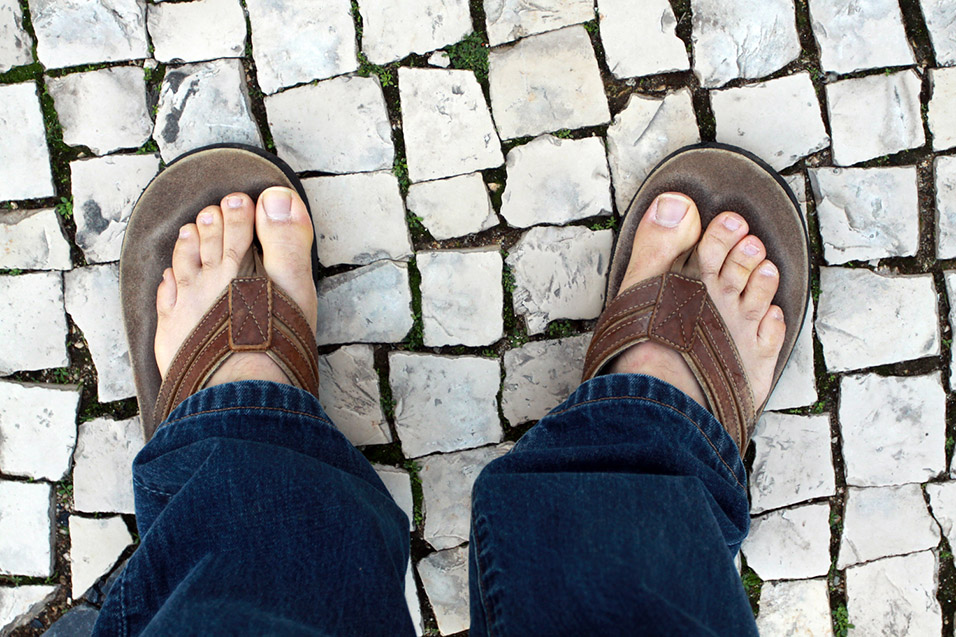 portugal/lagos_stone_sidewalk_flippies