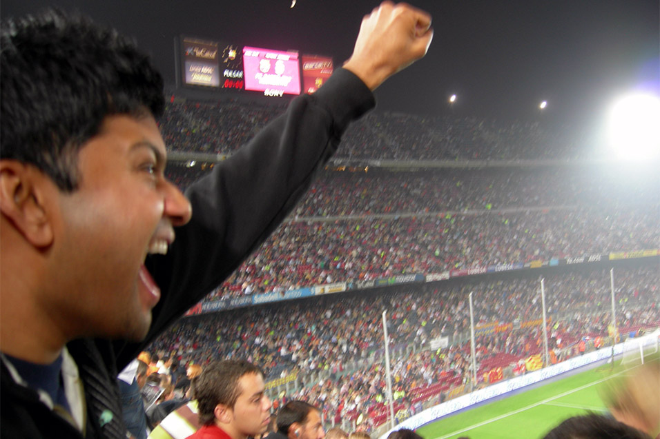 spain/barcelona_shoney_cheering
