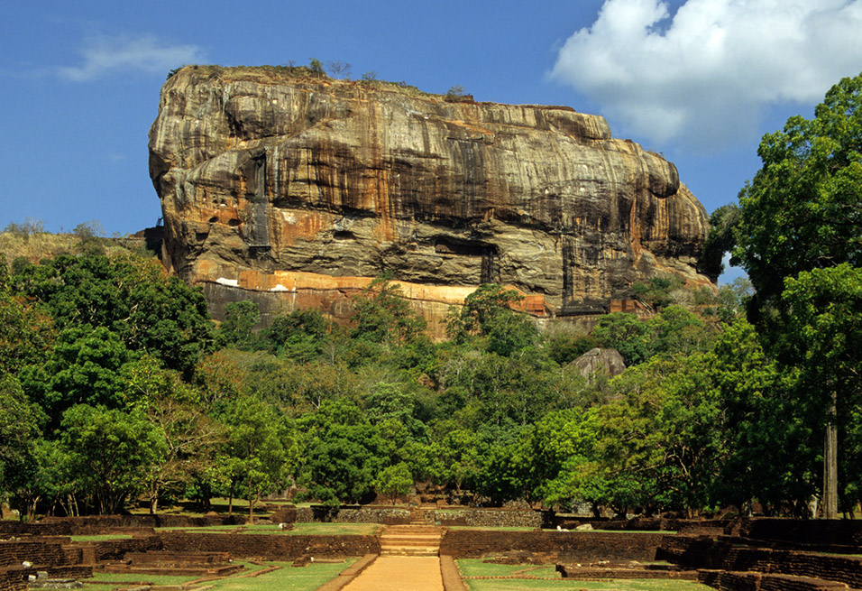 sri_lanka/sigyria_rock