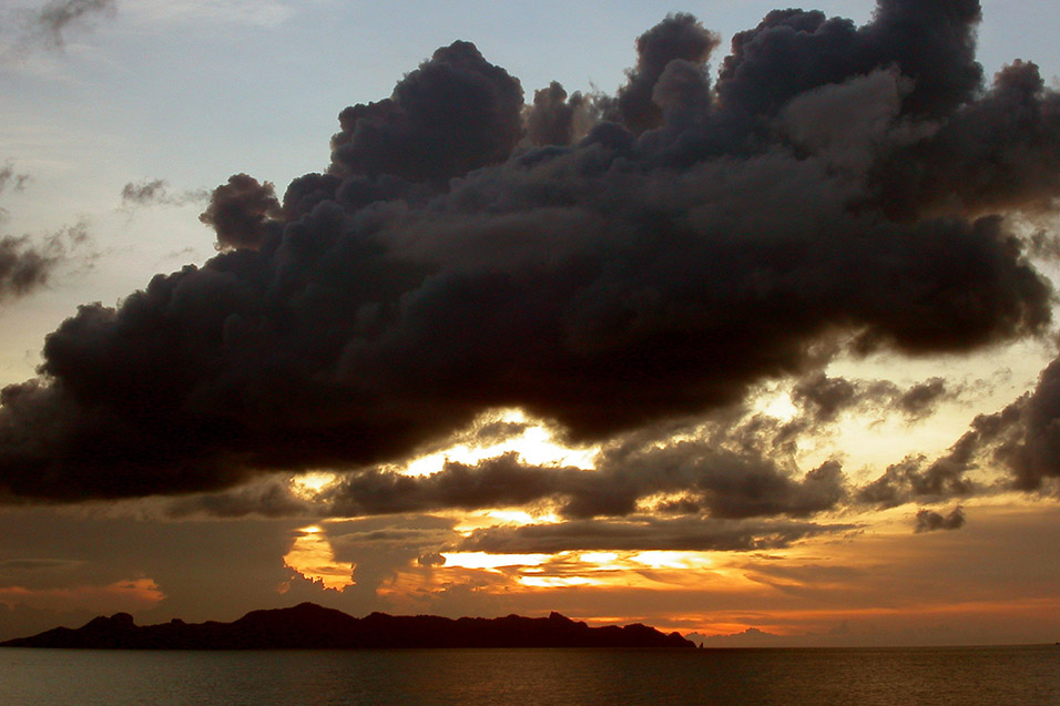 thailand/2004/ko_pha_ngan_ferry_sunset_cloud